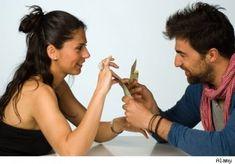 El dinero, es la raíz de muchos, muchos conflictos de pareja. De hecho, algunos investigadores dicen que los problemas financieros en el matrimonio son en realidad la segunda causa más común de divorcio.