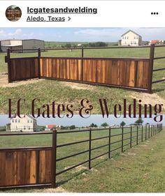 Horse Arena, Horse Stables, Horse Farms, Farm Gate, Farm Fence, Horse Fencing, Pasture Fencing, Fences, Horse Farm Layout