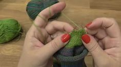 Kurz pletení ponožek - pata + váček podruhé  (7. díl) Knitting socks Knitting Videos, Knitting Socks, Crochet Earrings, Youtube, Women, Macrame, 1, Socks, Zapatos