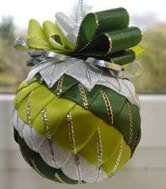 Christmas balls no. Quilted Fabric Ornaments, Quilted Christmas Ornaments, Christmas Cover, Christmas Ribbon, Christmas Tree Ornaments, Christmas Decorations, Ornament Crafts, Beaded Ornaments, Ball Ornaments