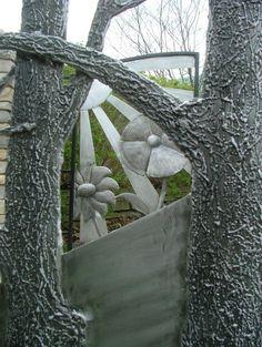 Matthaei Botanical Garden Aluminum entry gates: Detail