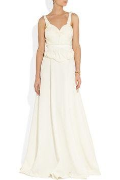 Une robe de mariée matelassée