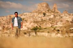 Rodrigo Lombardi veste camisa Timberland na matéria da Istoé Gente.