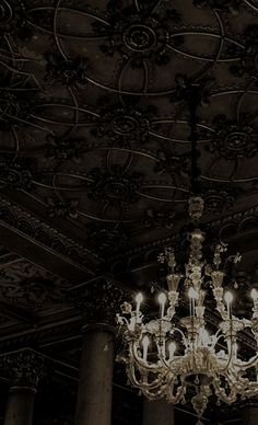 I want to get married here and also have a ceiling like this in my house!!!