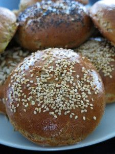 Dobroty z domácí pekárny – ZE Cook Book Slovak Recipes, Bread Recipes, Cooking Recipes, Breakfast Bake, Bagel, Hamburger, Good Food, Food And Drink, Low Carb
