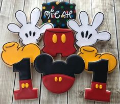 One Dozen Mickey Mouse Cookies Birthday Favors Decorated Mickey Mouse Cookie Cutter, Mickey Mouse Cake, Mickey Y Minnie, Mickey Mouse Parties, Mickey Party, Disney Parties, Mickey Cakes, Elmo Party, Dinosaur Party