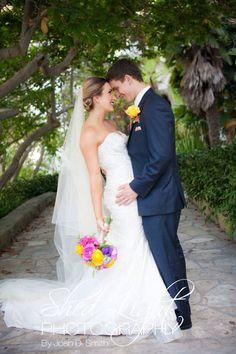 Santa Barbara Courthouse wedding. Photography by Shed Light Photography. Dress - La Sposa Madera