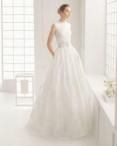 DORICO vestido de novia con body de garza estampada y punto con falda de garza estampada y cinturon  de punto.