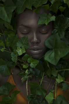 Afbeelding op Beauté - the Green Gallery Photographie Portrait Inspiration, Black Girl Aesthetic, Shooting Photo, Belle Epoque, Drawing People, Black Is Beautiful, Black Girl Magic, Black Art, Portrait Photography