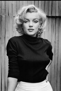 Black turtleneck thay Marilyn wore on a photoshoot with Alfred Eisenstaedt in 1953. It's one of things you can easily buy now in any shop. You can wear it in autumn or winter on any occasion.