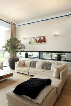 Busca imágenes de Salones de estilo moderno de BB architecten. Encuentra las mejores fotos para inspirarte y crea tu hogar perfecto.
