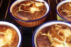 Prăjituri gustoase pentru ceai. Conuri buclate ca în Napoli. - Bucatarul Cheesecake, Pudding, Desserts, Food, Sweets, Tailgate Desserts, Deserts, Cheesecakes, Custard Pudding