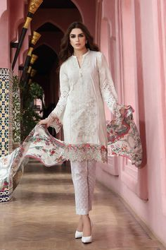 Maria B has rolled out her Festival Collection for Eid 2017. The designer has chosen the gorgeous Maya Ali to portray the spirit of their Eid collection.