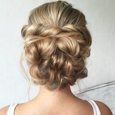 Penteado para noivas e madrinhas