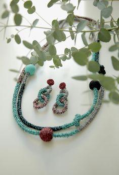 Turquoise-Purple Snake Necklace | borinanai