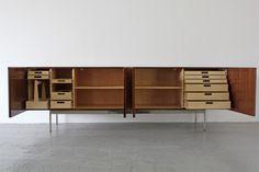 Adore Modern - Sideboard B40 von Dieter Waeckerlin