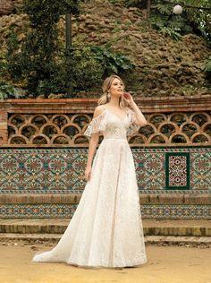 An ihrem Hochzeitstag sollte jede Braut schöner denn je erscheinen. Welches Brautkleid sie wählt, hängt nicht zuletzt von eigenen Geschmack ab, sondern auch vom Stil der Hochzeit. Rembo Styling, Stella York, Fascinator, Wedding Dress Sleeves, Wedding Dresses, Bridal, Lady, Wedding Hairstyles, Wedding Inspiration