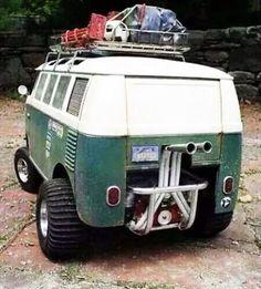 A Baja split window bus ! Well done