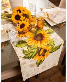 Celebrate warm summer days with this rustic sunflower patterned table runner. The gorgeous shades of yellow and green will liven up your dining room, kitchen, or patio. Pair with complimentary geometric gold napkin rings and neutral french stripe napkins. Sunflower Design, Sunflower Pattern, Sunflower Print, Sunflower Room, Sunflower Kitchen Decor, Mothers Day Brunch, Gifts For Office, Table Runners, A Table