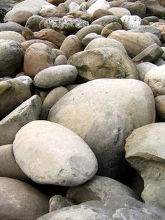 Create realistic boulders and rocks with a hypertufa mixture.