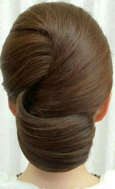 New Hair Updos Chignon Ideas Hair Up Styles, Medium Hair Styles, Hair Medium, Updo Styles, Short Styles, Homecoming Hairstyles, Wedding Hairstyles, Bridesmaid Hairstyles, Evening Hairstyles