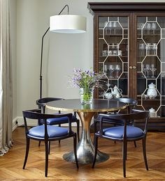 Dining area featuring: floor lamp by Stephane Davidts; table by Julian Chichester; and chairs by Hamilton Conte. House Tour: A bespoke apartment with symmetry, balance and clashing styles Dining Room Design, Dining Room Furniture, Dining Area, Dining Table, Interior Design Photos, Interior Design Inspiration, Design Ideas, Best Dining, Classic Elegance