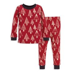 The Festive Forest Pajama Set by Burt's Bees Baby is a must-have for your little one's holiday bedtime wardrobe. Adorned with a charming festive trees design, this set comes crafted of organic cotton, gentle to your baby's skin. Matching Family Holiday Pajamas, Matching Pajamas, Organic Baby, Organic Cotton, Holidays With Toddlers, Toddler Pajamas, Toddler Christmas Pajamas, Long Sleeve Pyjamas, Burts Bees