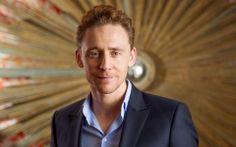 Tom Hiddleston In Suit Wallpaper