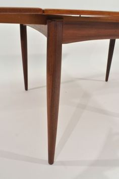 Lot # : 465 - DANISH TEAK DINING TABLE