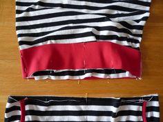 Dámské úpletové šaty s pružným pasem a kapsami | Cheer Skirts, Sewing Patterns, Fashion, Bags Sewing, Moda, Fashion Styles, Patron De Couture, Fashion Illustrations, Dress Patterns