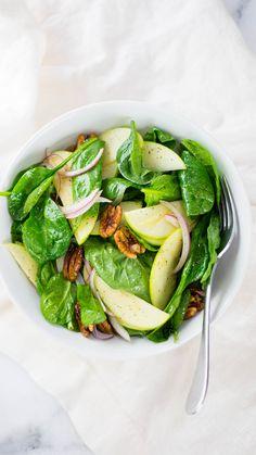 Herbst-Spinat-Pekannuss-Salat - Healthy Recipes That Actually Taste Good rezepte zum grillen salad Healthy Recipes, Healthy Salads, Healthy Nutrition, Salad Recipes, Vegetarian Recipes, Healthy Eating, Healthy Foods, Kitchen Recipes, Cooking Recipes