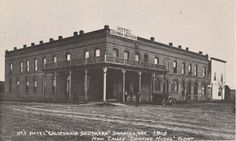 oregon ghost towns pictures | 1910 photograph of the Columbia Southern Hotel, now the Shaniko Hotel ...