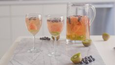 Watch a 40-second video and get the recipe for a delicious low-sugar sangria you can make in five minutes.