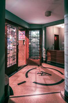 Galerie de gropius(Shanghaimage.com) Cafe Design, House Design, Interior Design, Bar Interior, Art Deco Kitchen, Art Deco Living Room, Modern Retro, Retail Design, Art Deco Fashion