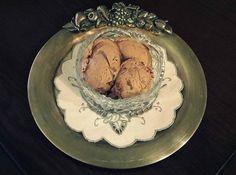 Παγωτό με δυο υλικά και δύο κινήσεις… http://www.donna.gr/14462/pagoto-me-dyo-ylika-ke-dyo-kinisis/  Εύκολο και γρήγορο παγωτό για το σπίτι, οικονομικό και εύγευστο, ποτέ δεν μπορούσα να κάνω παγωτό που να έχει μέσα πολλά υλικά και κυρίως αυγά και μάλιστα πολλά, έχω διαβάσει συνταγές με 8 αυ