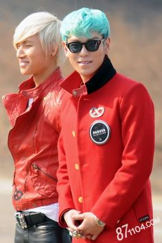 Daesung and TOP - BigBang TOP with blue hair is definitely my favorite look of his! O.O