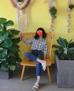 | Lấy = Follow | #Kye Korean Women, Korean Girl, Hey Girl, Boy Or Girl, Photos Tumblr, Chill Outfits, How To Pose, Ulzzang Girl, Aesthetic Girl