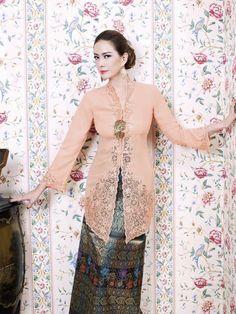 Indonesia Tatler's April 2012 cover, Donna Latief looks elegant in kebaya Kebaya Lace, Kebaya Brokat, Batik Kebaya, Kebaya Dress, Modern Kebaya, Indonesian Kebaya, Kebaya Muslim, Ao Dai, Traditional Dresses