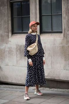 We're Getting All Of Our Fall Outfit Ideas From London Fashion Week Street Style - Fall Outfits London Fashion Weeks, London Fashion Week Street Style, Street Style Outfits, Looks Street Style, Spring Street Style, Mode Outfits, Fall Outfits, Fashion Outfits, Fashion Trends
