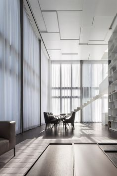 Pitsou Kedem Architects | Square Compositions Penthouse in Tel Aviv