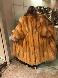 Fox Fur Coat, Fur Coats, Fur Fashion, Womens Fashion, Fabulous Fox, Red Fur, Mantel, Faux Fur, Sexy Women