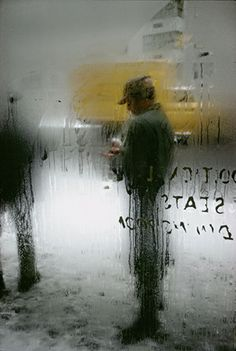 View Snow by Saul Leiter on artnet. Browse upcoming and past auction lots by Saul Leiter. Saul Leiter, Fotojournalismus, Design Observer, New York School, Documentary Photography, Color Photography, Window Photography, A Level Photography, Photography Books