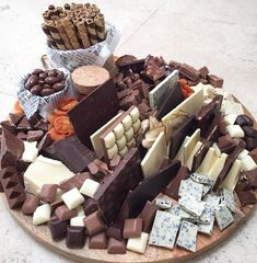 Wedding Food Platters Wine For 2019 Dessert Party, Diy Dessert, Snacks Für Party, Dessert Recipes, Dessert Tables, Wine Party Appetizers, Food Tables, Easy Party Food, Gourmet Desserts