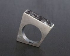 Sterling silver ring with rectangular tourmaline by bernatforteza