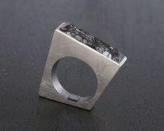 Sterling silver ring with rectangular tourmaline by bernatforteza