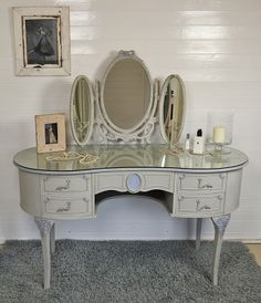 ideas makeup room ideas vintage dressing tables for 2019 Makeup Storage Drawers, Shabby Chic, Makeup Rooms, Dressing Table, Dressing, Vintage Dressing Tables, Makeup Room, Shabby Chic Furniture, Room Paint