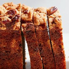 Learn how to make Martha Stewart's delicious banana bread. Enriched with sour cream, this banana bread is moist and flavorful. Streusel Banana Bread Recipe, Cinnamon Banana Bread, Streusel Cake, Moist Banana Bread, Vegan Banana Bread, Streusel Topping, Banana Bread Recipes, Pumpkin Bread, Cranberry Bread