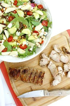 This Roasted Garlic & Cracked Black Pepper Pork Loin Gorgonzola Salad makes a great lunch or dinner! #RealFlavorRealFast #ad