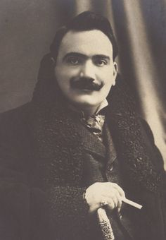 Famed Operatic Tenor, Enrico Caruso. Elegant Portrait, circa 1905.   thrilled audiences all over Europe and the Americas. He sang in St. Petersburg for the Czar, appeared before the King of England by royal command, was 18 seasons lead tenor with the Met in New York, and was the first recording artist ever to sell a million copies of a record (an early recording of Vesti la giubba from Pagliacci).