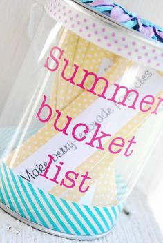DIY Summer Bucket List. This is very cool, the girls will love it!